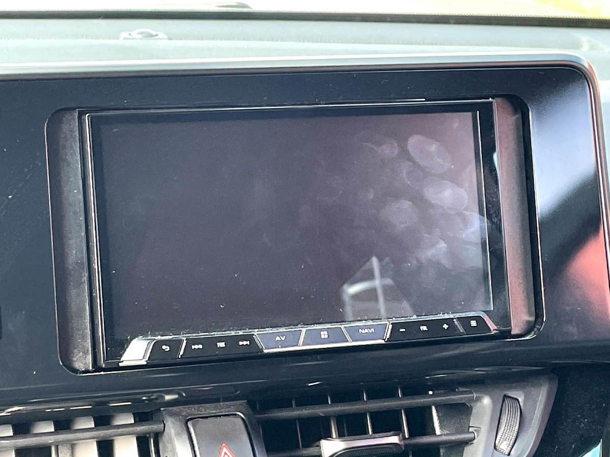 車内のタッチパネルの指紋汚れを解決!『ルームピア パネルクリア』使ってみました