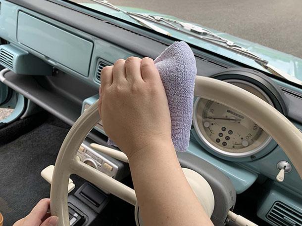 99工房「レトロカー再生への道」【車内クリーニング ー車内の拭き掃除・マット洗浄編ー】をアップしました