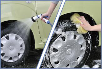 洗い始めはタイヤから。