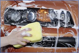 まずはパーツ表面の汚れを洗い落とそう。